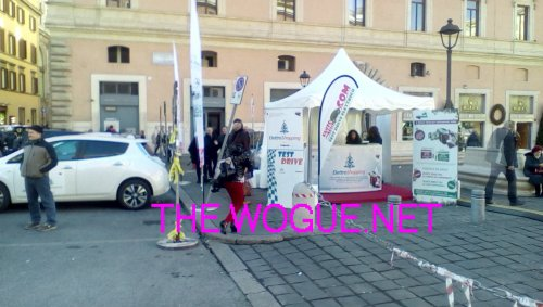 stand car sharing shopping electric roma
